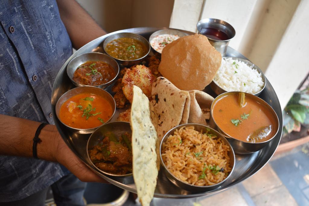 Vegetarian Sindhi Thali in Mumbai.